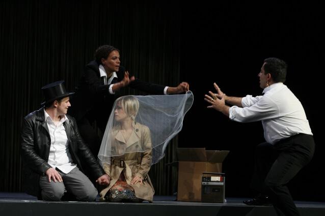 Bühnenbild-STAATSOPER-HANNOVER-Die-Entführung-aus-dem-Serail-Anne-Neuser