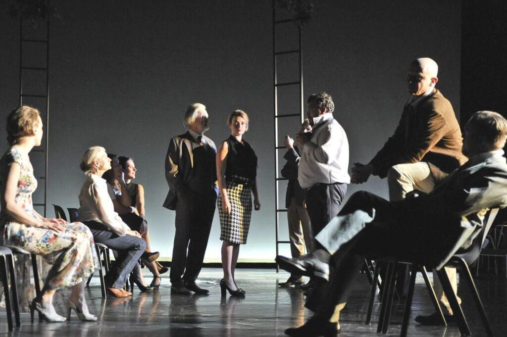 Bühnenbil-Hans-Otto-Theater-Potsdam-2016-Die Wiedervereinigung der beiden Koreas-Anne-Neuser